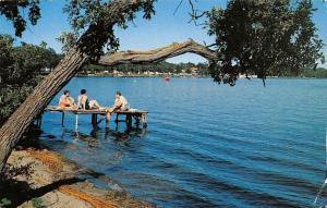 Minn. Detroit Lake, sunbathing, lac, lago 1957