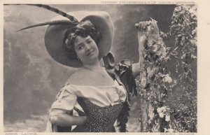 Annie Laurie , 00-10s ; Theatre Actress