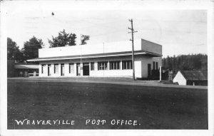 G61/ Weaverville California Postcard RPPC c1940s Post Office Building