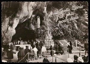 A la Grotte Benie j'ai prie pour vous