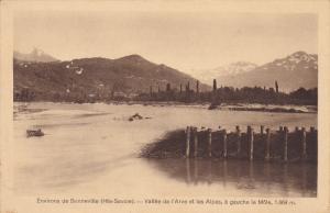 Environs de BONNEVILLE, Haute Savoie, Vallee de l'Arve et les Alpes, a gauche...