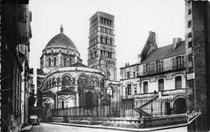 BR38524 Abside de la cathedrale angouleme france