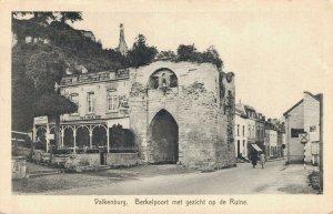 Netherlands Valkenburg Berkelpoort met gezicht op de Ruine 03.09
