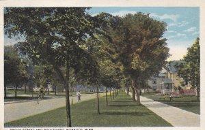 MANKATO , Minnesota ,PU1920 ; Broad Street and Boulevard