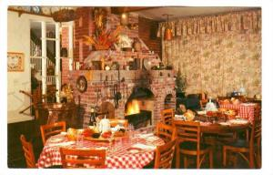 Lazy Susan Inn, located on junction Shirley Freeway and U.S. Route 1.,  Woodb...