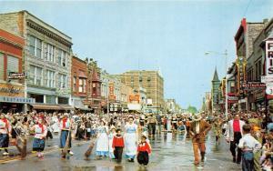 Holland Michigan~Tulip Time Festival~Street Scrubbers~Little Kids~1950s Pc
