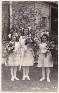 RP: May Day, Kamloops, British Columbia, Canada, 1922 ; 3 Girls w/flowers