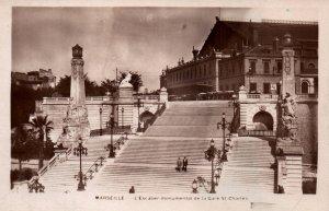 L'Escalier Monumental de la Gare St Charles,Marseille,France BIN