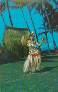 Tahaiti Tahitian Dancer In Traditional Outfit