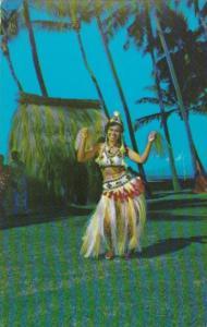 Tahaiti Tahitian Dancer In Traditional Outfit
