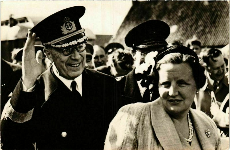 CPA AK H.M.Koningin Juliana en Z.M.Koning Gustaaf VI DUTCH ROYALTY (747217)