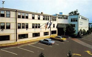 Freeport Maine~LL Bean Inc~24 Hour Store~1970s Cars~Postcard