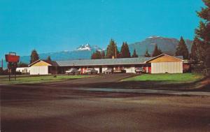 Defoe's Motel , REVELSTOKE , B.C. , Canada , 40-60s