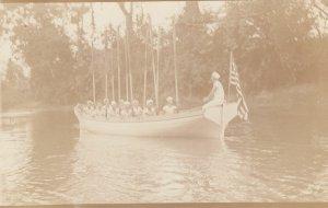 RP: Spanish Honduras , 00-10s ; US Sailors in boat , Chameliem River