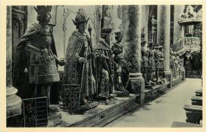 Austria Innsbruck Hofkirche Linksseitige Statuengruppe