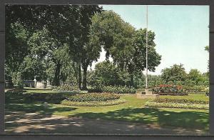 Wisconsin, Oshkosh - Menominee Park Flower Beds - [WI-118]