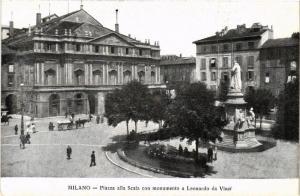 CPA MILANO. Piazza alla Scala con monumento a L. da Vinci. ITALY (522109)