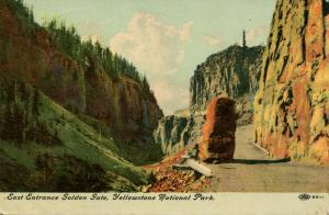 WY - Yellowstone National Park. East Entrance, Golden Gate
