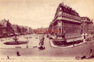 FRANCE. BORDEAUX - LES ALLEES DE TOURNY ET L'HOTEL GOBINEAU