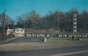 MILLERSBURG , Ohio , 1950-60s ; Briar Hill Motel