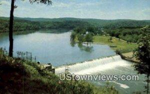 Powersite Dam in Lake Taneycomo, Missouri