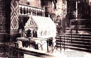 Basilique Sacrophage de Saint-Willibrord les jours de la Pentecote, Schternac...