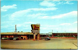 Yuma, Arizona Postcard FLAMINGO HOTEL Street View 1950s Cars Chrome Unused