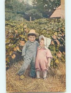 Pre-Linen FARMER BOY WITH LITTLE SISTER ON THE FARM HL5331