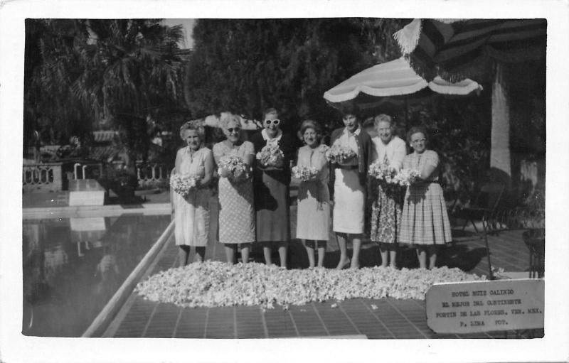 Vera Cruz Mex~Hotel Ruiz Galindo~Ladies Show Gardenias~Swimming Pool~RPPC 1962