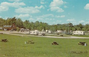 GOODLETTSVILLE , TN , 50-60s ; KOA KAMPGROUND