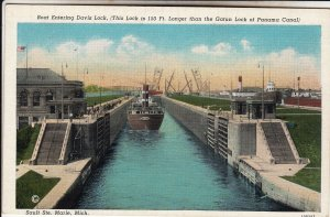P1918 old postcard ship enters davis lock sault ste. marie, michigan unused