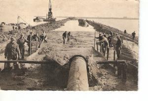 Postal 028239 : Dijkbouw Z. Flevoland, Opspuiten can het zandlichaarn tussen ...