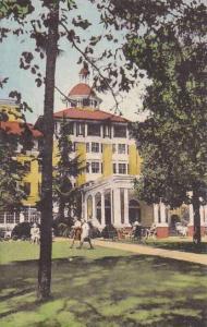 North Carolina Pinehurst Green Lawns And Trees Surround The Carolina Albertype