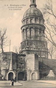 France Boulogne sur Mer La port de Calais et la Cathedrale 02.88