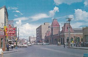 Ciudad Juarez, Chihuahua, Mexico, 40-50s ; Street view w/ Custom House