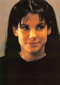 Postcard, SANDRA BULLOCK Portrait by Heroes Publishing Ltd 66V