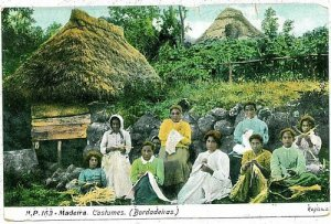 02393 ETHNIC vintage postcard: PORTUGAL - MADEIRA: EMBROIDERY