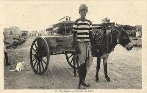 CPA Djibouti Afrique - Porteur de Sable (87095)