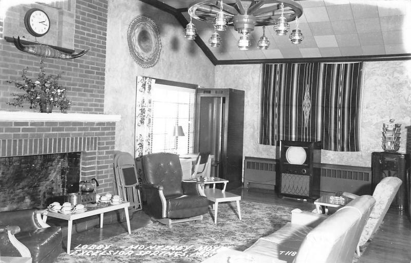 Excelsior Springs Missouri~Monterey Motel Lobby~Early TV~Big Radio~1940s RPPC