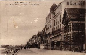 CPA Cote d'Emeraude - St-MALO - La Digue - Au loin PARAMÉ (298243)