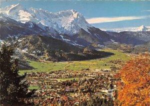 Garmisch Partenkirchen gegen Zugspitzgruppe und Tiroler Berge Daniel Germany ...