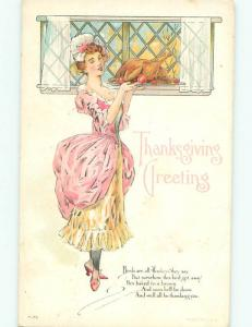 Pre-Linen Thanksgiving PRETTY WOMAN CARRYING OUT COOKED TURKEY AB4322