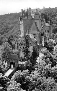 Die Burg Eltz Entrance Castle Gate Chateau