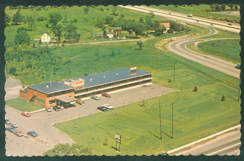 Queen S Grant Motor Hotel Brockville Ontario Canada Thousand Islands Postcard