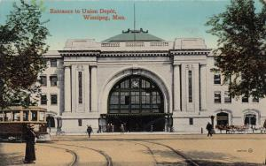 WINNIPEG , Manitoba , Canada , PU-1915 ; Entrance to Union Depot, Trolley