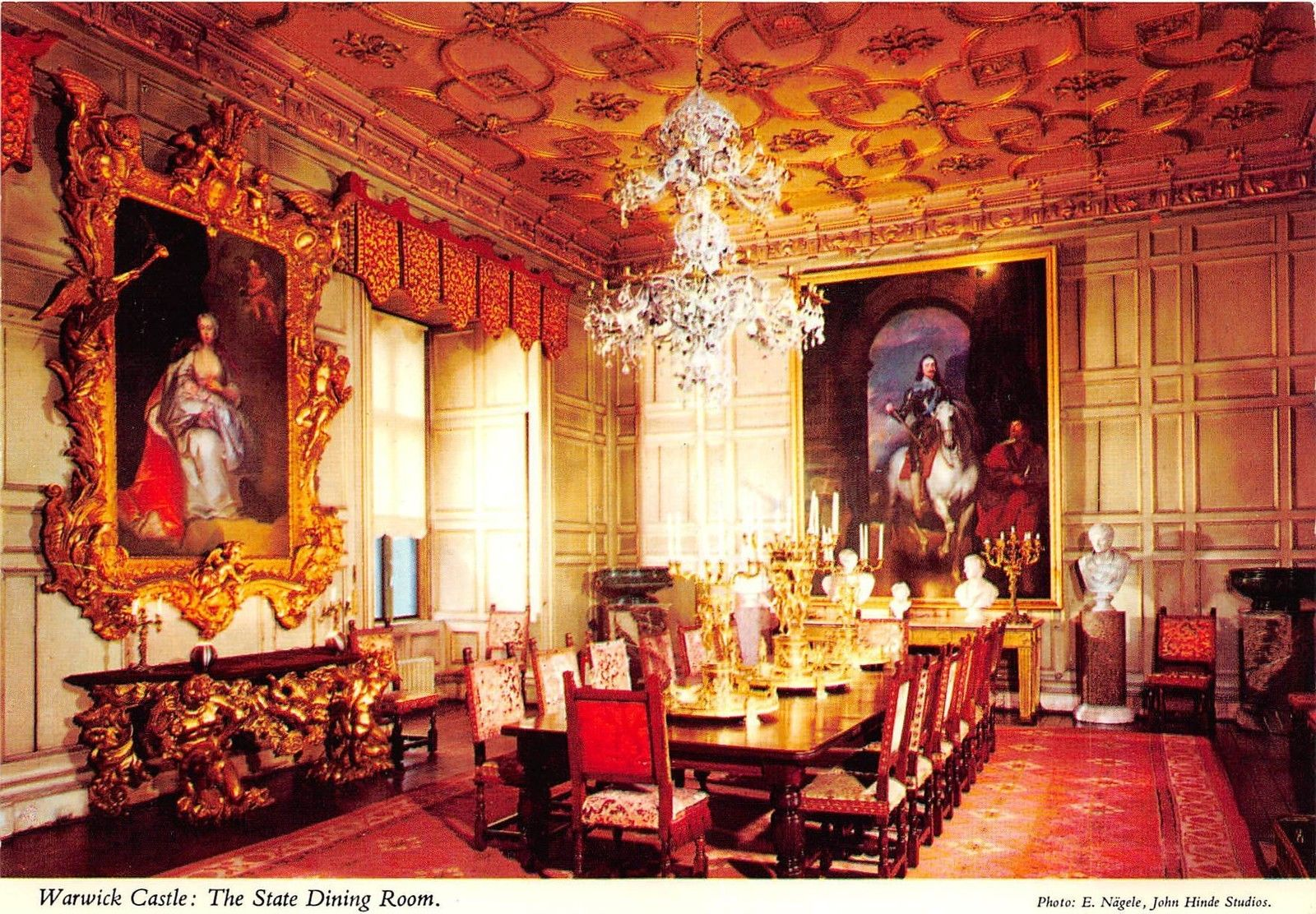 B87825 Warwick Castle The State Dining, Warwick Castle State Dining Room Set