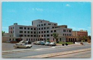 Albuquerque NM~Bataan Memorial Methodist Hospital~1950s Station Wagons~Cars