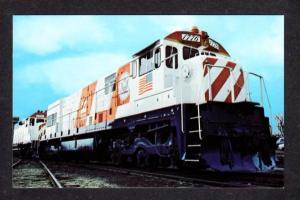 Burlington Northern Locomotive No 1776 Bicentennial Engine Postcard PC RR