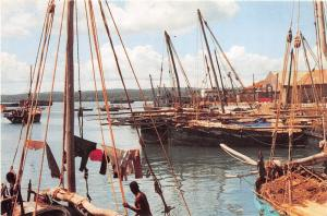 BR27976 Dhows at the old port Unguja ship bateaux tanzania