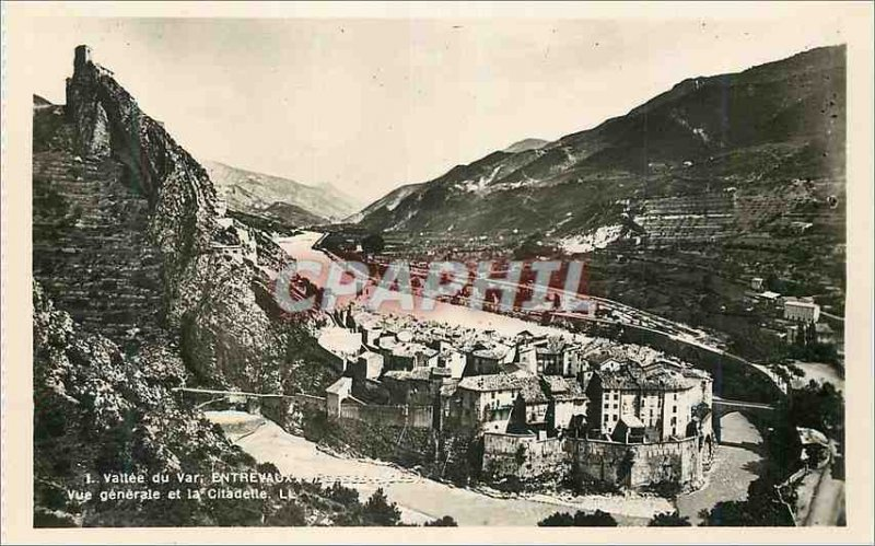 Postcard Modern Vallee du Var Entrevaux General view and the Citadel